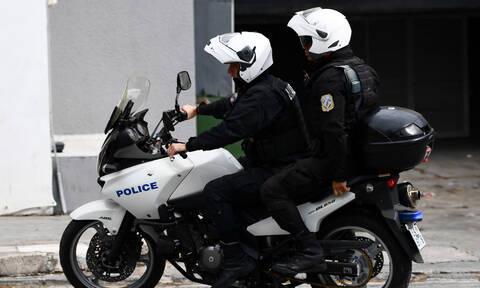 Επιχείρηση - «σκούπα» στο κέντρο της Αθήνας για λαθραία τσιγάρα - 8 συλλήψεις