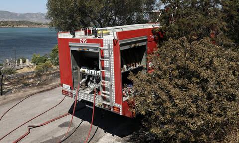 Νέα Μάκρη: Ανετράπη πυροσβεστικό όχημα - Δύο σοβαρά τραυματίες