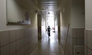 Φρίκη: 13χρονο κορίτσι βιαζόταν για 10 μέρες στο διάλειμμα από 4 συμμαθητές της
