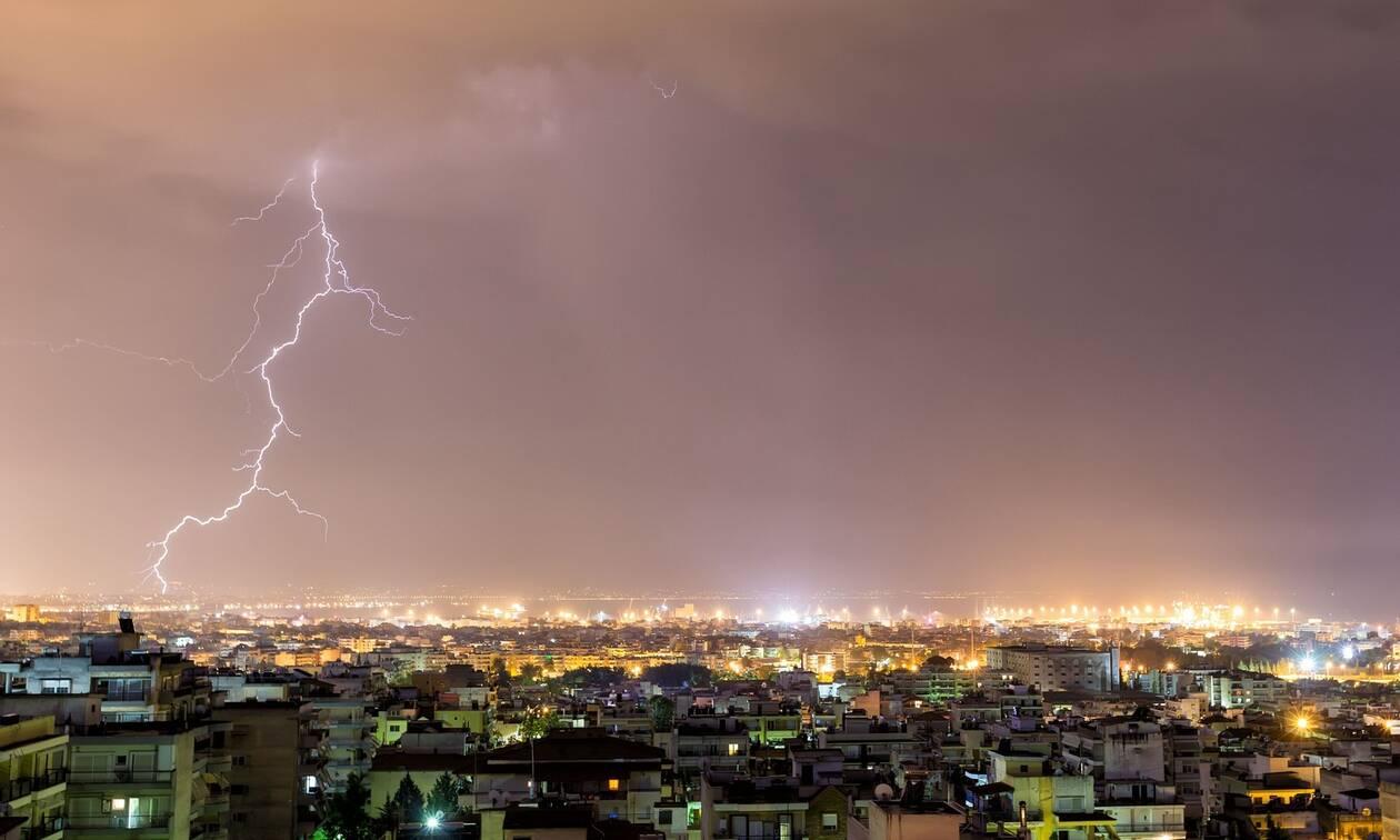 Έκτακτο δελτίο επιδείνωσης του καιρού: Έρχεται κακοκαιρία με καταιγίδες, χαλάζι και ισχυρούς ανέμους
