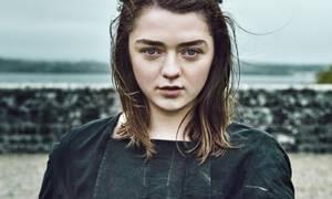 Η Maisie Williams άκα Arya Stark του GoT άλλαξε πάλι τα μαλλιά της: Δες την στα Emmy 2019