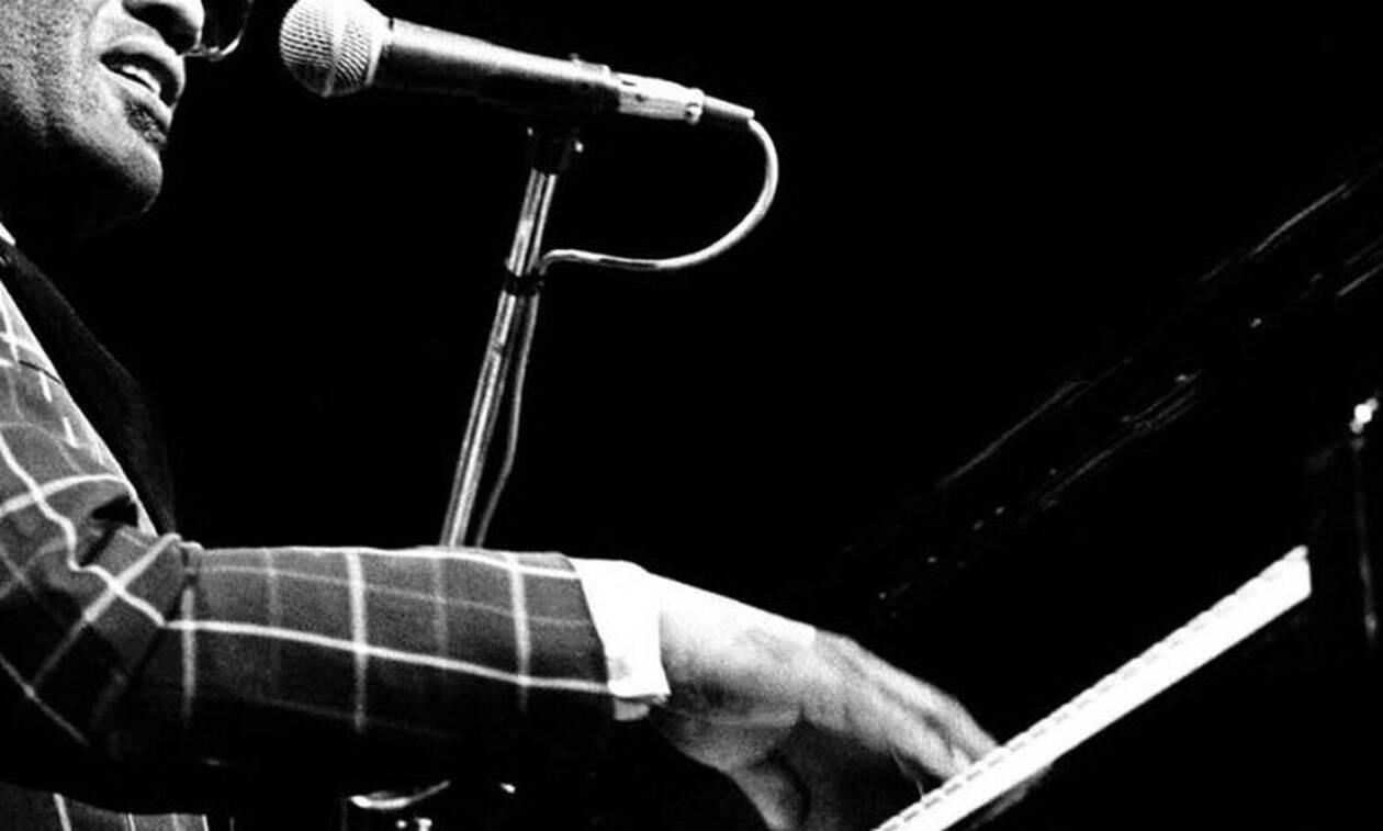 Ο τυφλός καλλιτέχνης που έγινε σύμβολο της μουσικής!
