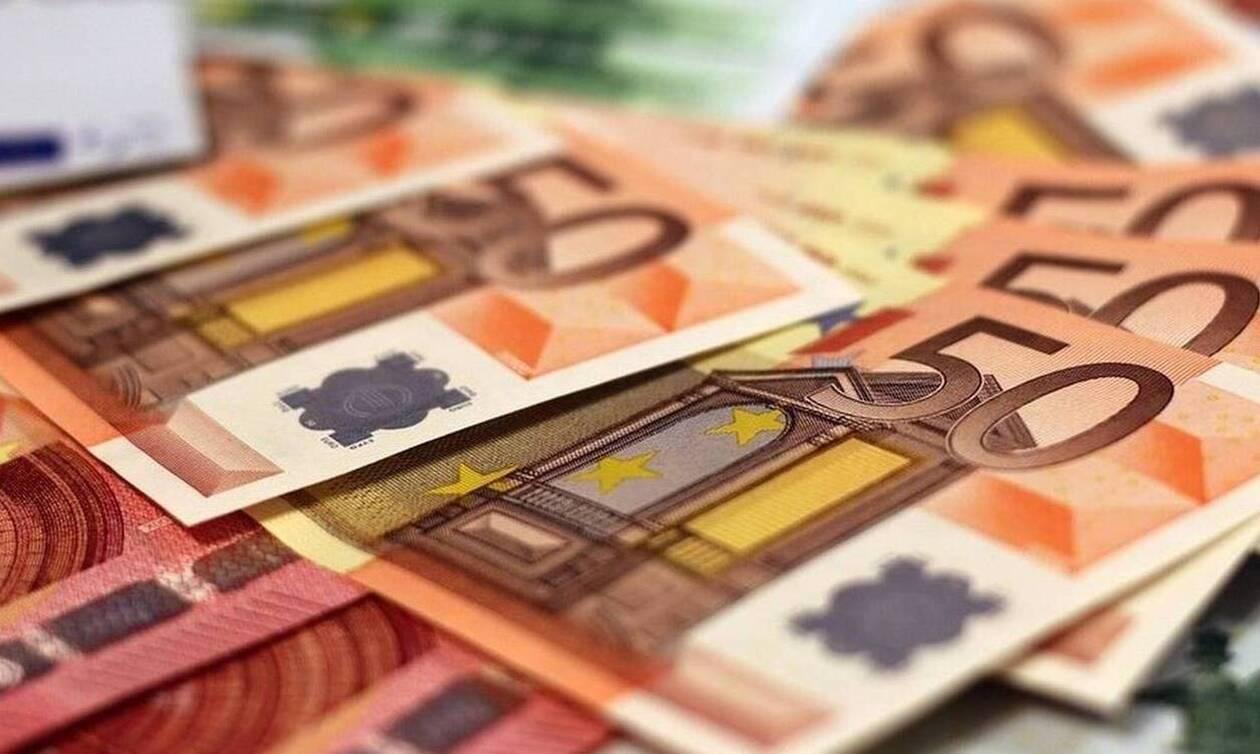 ΟΠΕΚΑ: Μπαράζ πληρωμών τις επόμενες ημέρες - Ποιοι και πότε θα δουν χρήματα στους λογαριασμούς τους