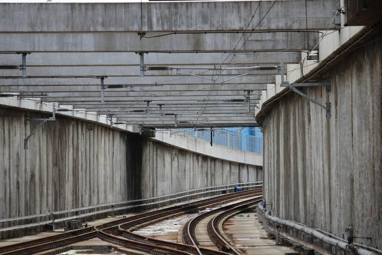 railway-tracks-2771028_960_720.jpg