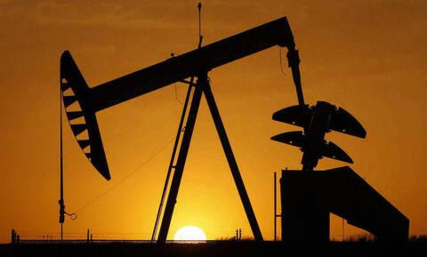 Επιφυλακτικότητα στη Wall Street - Κέρδη για το πετρέλαιο
