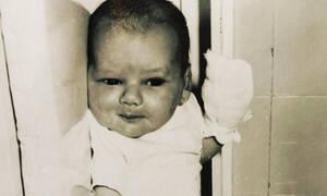 Ελληνίδα παρουσιάστρια δημοσίευσε την πρώτη φωτογραφία από τη γέννησή της (pics)