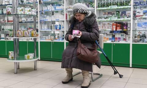 Опрос: каждый десятый россиянин экономит на лекарствах