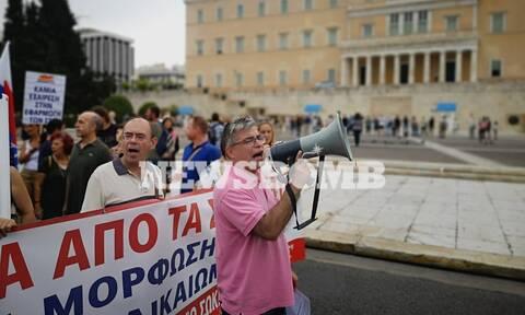 «Παρέλυσε» η χώρα από την απεργία της ΑΔΕΔΥ - Στους δρόμους οι εργαζόμενοι - Χάος στην Αθήνα