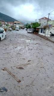 Κεφαλονιά Εικόνες Βιβλικής καταστροφής στην Αγία Ευφημία - «Πνίγηκε» στη λάσπη η κοινότητα