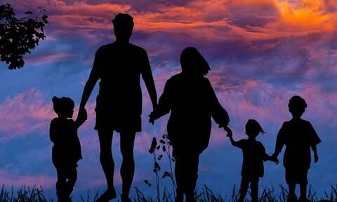 ΟΠΕΚΑ - Επίδομα παιδιού A21: Πότε θα πιστωθεί στους δικαιούχους