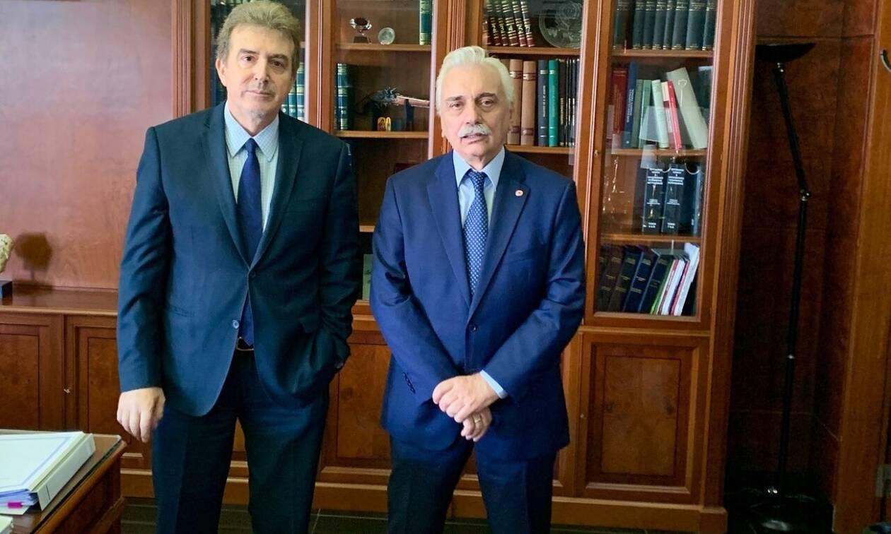 Ελληνικός Ερυθρός Σταυρός: Συνάντηση Αυγερινού - Χρυσοχοΐδη