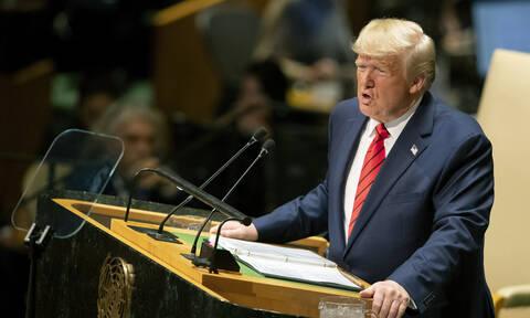 Πολιτική θύελλα στις ΗΠΑ: Μπορεί να καθαιρεθεί ο Τραμπ; - Για ποια υπόθεση παραπέμπεται