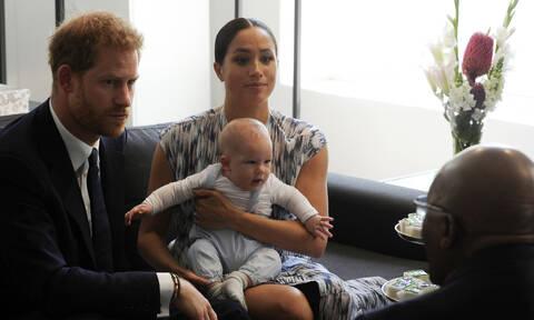 Ιδού ο Archie! Το βίντεο με τον γιο της Meghan Markle και του πρίγκιπα Harry που έγινε viral