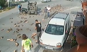 Ιωάννινα: Βίντεο - σοκ από τροχαίο αγροτικού με φορτηγάκι