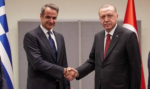 ΤΩΡΑ: Σε εξέλιξη η συνάντηση Μητσοτάκη με Ερντογάν - Τι θα συζητήσουν οι δύο ηγέτες