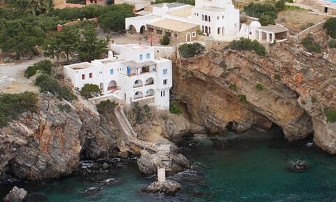 Κρήτη: Αυτός αγοράζει τη βίλα των «Φουρτουνάκηδων» στον Άγιο Νικόλαο (pics)