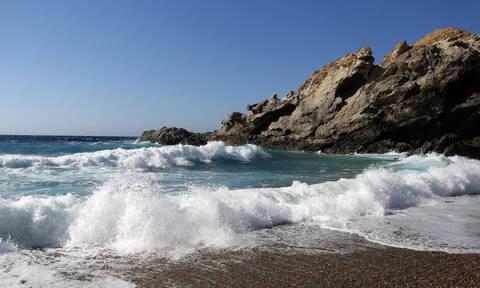 Τελευταίο μπάνιο για ηλικιωμένη σε παραλία του Ρεθύμνου