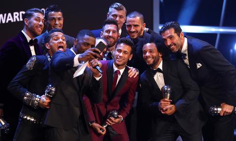 Σοκ στη FIFA με υποψίες σκανδάλου στα βραβεία! (photos+video)