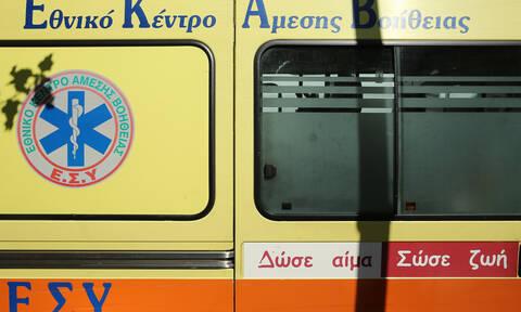 Πανικός στον Κηφισό: Αστυνομικοί έσωσαν άνδρα που έκοψε το λαιμό του με γυαλί - Εικόνες ΣΟΚ