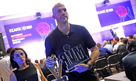 Basket League: «Σάρωσε» τα βραβεία ο Νικ Καλάθης (video+photos)