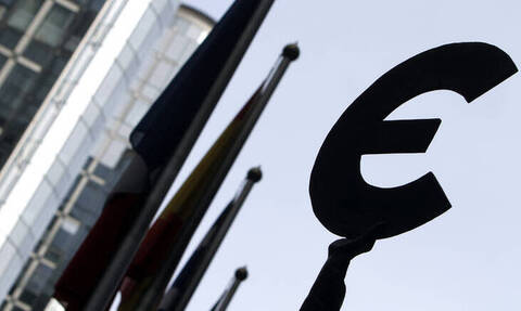«Βόμβες» ΔΝΤ: Δημοσιονομικό κενό για το 2020 – Μη βιώσιμο το χρέος