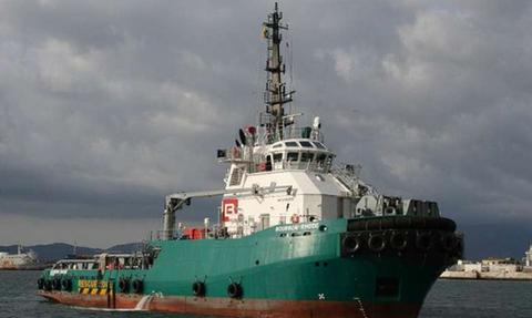 Συναγερμός για ρυμουλκό στον Ατλαντικό – Μάχη με τα κύματα δίπλα σε κυκλώνα