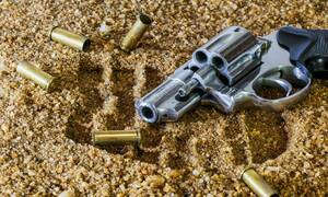Τραγωδία: Νεκρή 12χρονη από αδέσποτη σφαίρα
