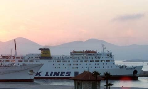 Πρόσκρουση πλοίου στο λιμάνι της Σητείας – Ταλαιπωρία για τους επιβάτες