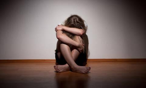 Αποκάλυψη - σοκ στη Φθιώτιδα: Ο δικηγόρος παρενοχλούσε σεξουαλικά και τη μητέρα της 11χρονης