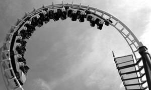 Ανείπωτη τραγωδία σε λούνα παρκ: Εκτροχιάστηκε τρενάκι - Δύο νεκροί (vids)