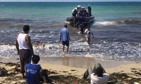 Λιβύη: Δεκάδες μετανάστες διέφυγαν έπειτα από τη διάσωσή τους στη Μεσόγειο