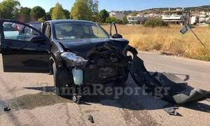 Λαμία: Σφοδρή σύγκρουση αυτοκινήτων σε διασταύρωση - Δύο τραυματίες