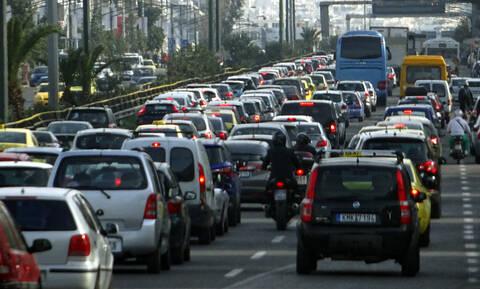 Κυκλοφοριακό χάος στην Αθηνών - Λαμίας - Ουρές χιλιομέτρων