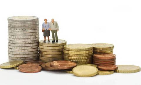 Αυξήσεις στις κύριες συντάξεις - Τι εξετάζει η κυβέρνηση