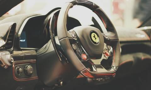 Έτσι θα κάνεις το αμάξι σου να ακούγεται σαν Ferrari! (video)