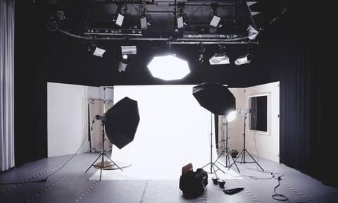 Γνωστός Έλληνας παρουσιαστής ανακοίνωσε στον «αέρα» τον χωρισμό του – Δείτε ποιος (pics)