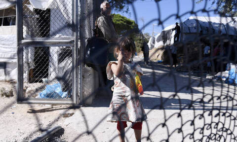 Πολιτικός «σεισμός» για Μόρια και άσυλο – Τι απαντά η κυβέρνηση