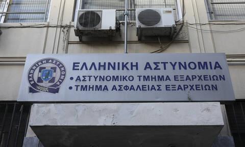Συναγερμός στην ΕΛ.ΑΣ.: Απόδραση κρατούμενου από το ΑΤ Εξαρχείων