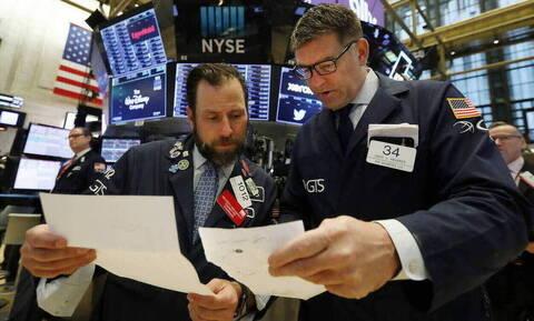 Ανοδικά έκλεισε ο μήνας ο Wall Street - Νέες απώλειες στο πετρέλαιο