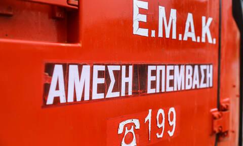 Θρίλερ στη Λαμία: Δύο εγκλωβισμένοι σε αυτοκίνητο που έπεσε σε γκρεμό