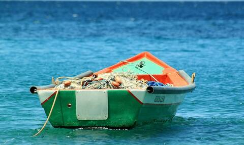 Τραγωδία: Πήγε για ψάρεμα, τον δάγκωσε θαλάσσιο φίδι και πέθανε (pics)