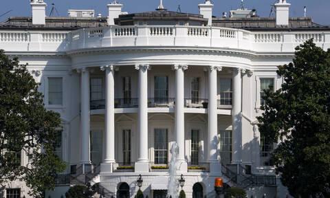 Σκηνές πανικού στον Λευκό Οίκο: Ο… τρόμος κρυβόταν στο ταβάνι