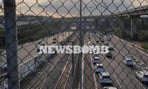 Απεργία σήμερα: «Κόλαση» στην Αττική Οδό – Ουρές χιλιομέτρων (pics)