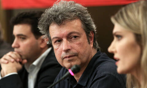 Πέτρος Τατσόπουλος: Αποσωληνώθηκε και παραμένει στην εντατική