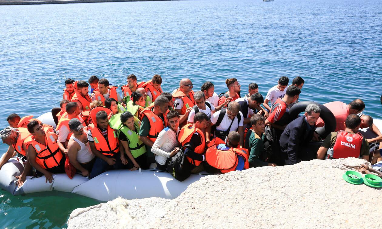 «Έκρηξη» μεταναστευτικών ροών: Άλλες πέντε βάρκες το πρωί στη Μυτιλήνη