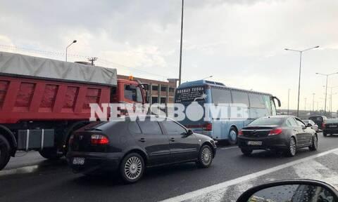 Κυκλοφοριακό «έμφραγμα» στην Αθήνα – Ποιους δρόμους να αποφύγετε (pics)