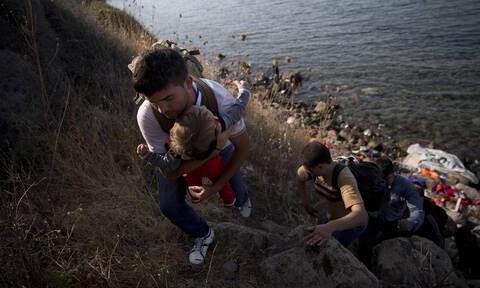 Προσφυγικό: Έκτακτη σύσκεψη στο Μαξίμου για τις αυξημένες ροές – Τι αποφασίστηκε