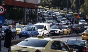 ΤΩΡΑ: Κυκλοφοριακό κομφούζιο στην Αθήνα: Ποιους δρόμους να αποφύγετε