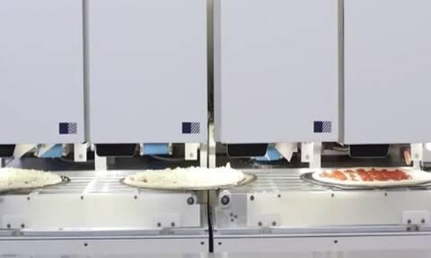 Ρομπότ φτιάχνει 300 πίτσες την ώρα!