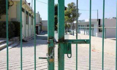Περιστατικά με αγνώστους σε σχολεία - «Καταντήσαμε να φοβόμαστε»